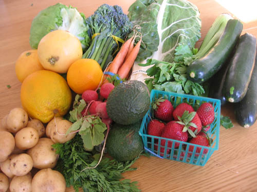 Farm Fresh To You CSA Box Contents