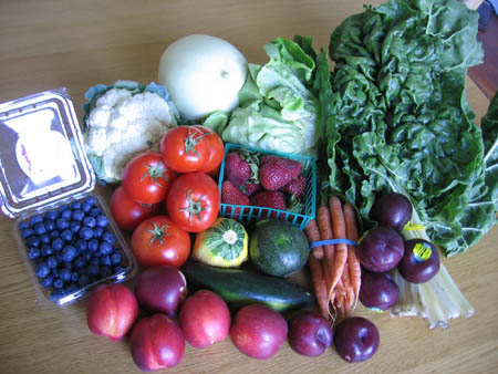 Contents of Farm Fresh To You CSA box